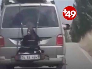 Minibüsün arkasına kadın bağladılar