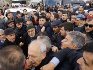 Kılıçdaroğlu'na tekme ve yumruklu saldırı