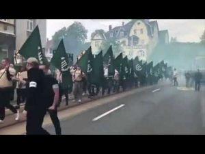 Neonaziler Almanya sokaklarında