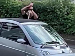 Almanya'da sokakta kılıçlı dehşet