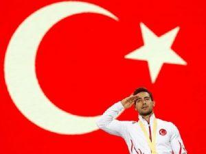 Dünya şampiyonluğunu Mehmetçiğe armağan etti