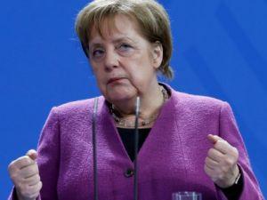 Merkel'den Türkçe altyazılı koronovirüs açıklaması